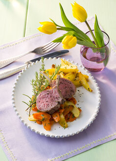 Lamb chop with vegetables on plate - PPXF00105