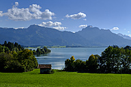 Germany, Bavaria, Swabia, Forggensee with Tegelberg, Tannheim Mountains - LBF01685