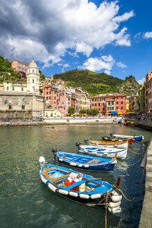 Italy, Liguria, Cinque Terre, Manarola, harbour - PUF00836