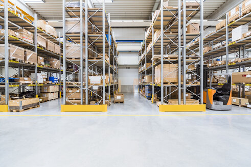 High rack warehouse in factory - DIGF02902