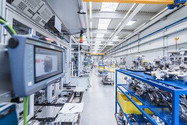 Factory shop floor with workpieces - DIGF02914
