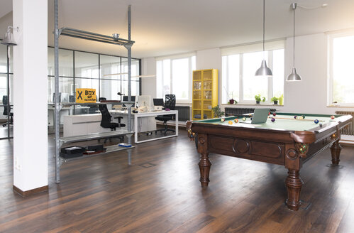 Pool table in modern open space office - FKF02646