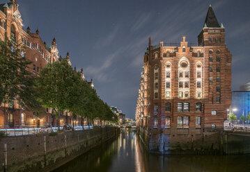Germany, Hamburg, Speicherstadt in the evening - PVCF01101