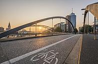 Germany, Hamburg, Niederbaum bridge and Kehrwiederspitze in the morning - PVCF01110