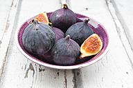 Bio figs in a bowl - LVF06382