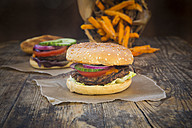 Homemade burger with sweet potato fries - LVF06395