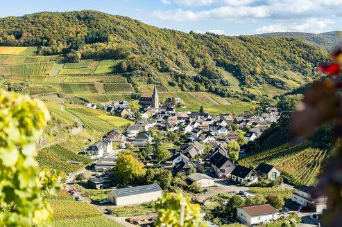 Germany, Rhineland-Palatinate, Ahr Valley, Maischoss, wine village - FRF00596