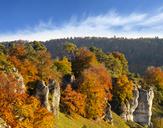 Germany, Bavaria, Franconia, Central Franconia, Altmuehl Valley, near Solnhofen, Rock formation Twelve Apostles, Altmuehl river in autumn - SIEF07573