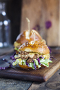 Vegetarian Burger with fried cauliflower, lettuce and curry sauce - SBDF03359