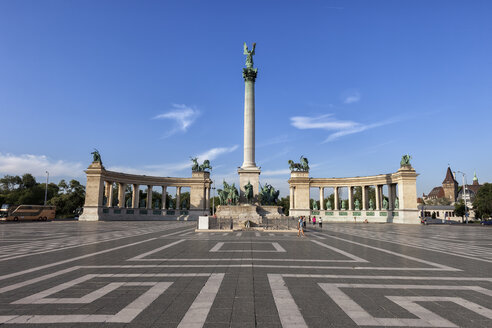Hungary, Budapest, Millennium Monument on Heroes' Square - ABOF00322