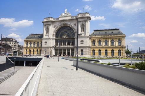 Hungary, Budapest, Keleti Railway Station - ABOF00334