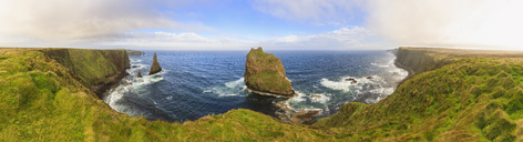 Great Britain, Scotland, Scottish Highlands,  Caithness, John o' Groats, Duncansby Head, Duncansby Stacks - FOF09467