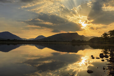 Great Britain, Scotland, Scottish Highlands, Argyll and Bute, Loch Awe, Castle Ruin Kilchurn Castle at sunset - FOF09476