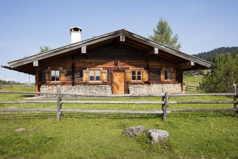 Germany, Bavaria, Upper Bavaria, Chiemgau, Reit im Winkl, Winklmoosalm, Bavarian hut - WIF03451