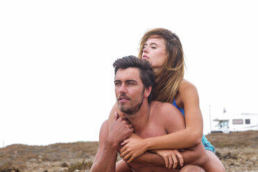 Portrait of couple on the beach - SIPF01867