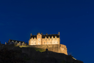 Great Britain, Scotland, Edinburgh, Castle Rock, Edinburgh Castle at night - FOF09532