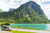 Norway, Sogn og Fjordane, Lake Oldevatnet, camper at road - CSTF01499
