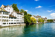 Switzerland, Zurich, houses at river Limmat - KIJF01714