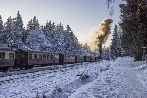 Germany, Saxony-Anhalt, Schierke, Harz National Park, Schierke Station, Brocken Railway at winter evening - PVCF01179