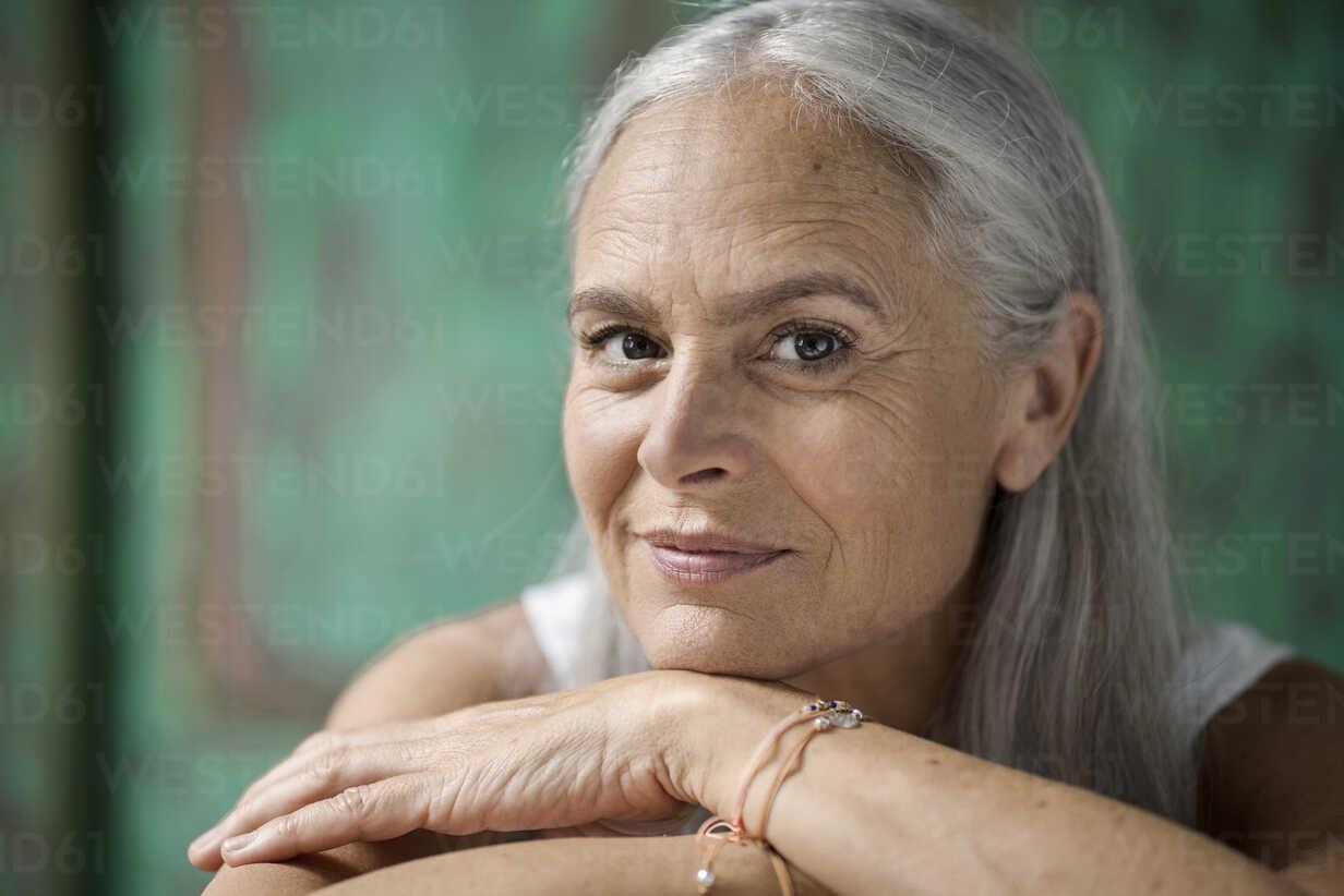 Portrait of a beautiful senior woman - SBOF00950 - Steve Brookland/Westend61