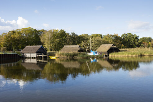 Germany, Fischland-Darss-Zingst, Prerow, Prerowstrom, boat houses - WIF03471