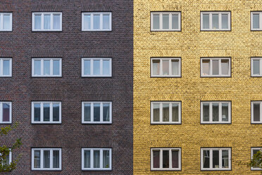 Germany, Hamburg, Hamburg-Veddel, art installation 'Goldenes Haus' of Boran Burchhardt - KEB00701