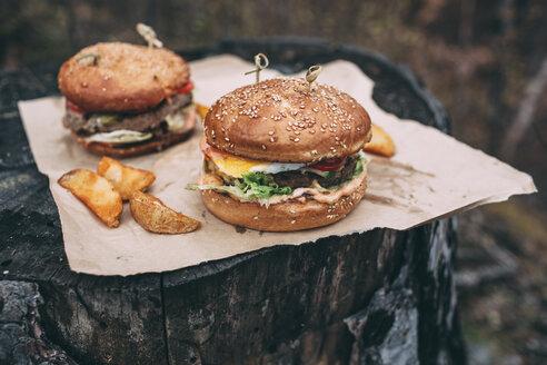 Fresh burger on stamp - VPIF00300