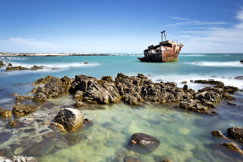 Africa, South Africa, Western Cape, Cape Agulhas, shipwreck - FPF00135