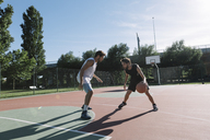Men playing basketball - ALBF00321