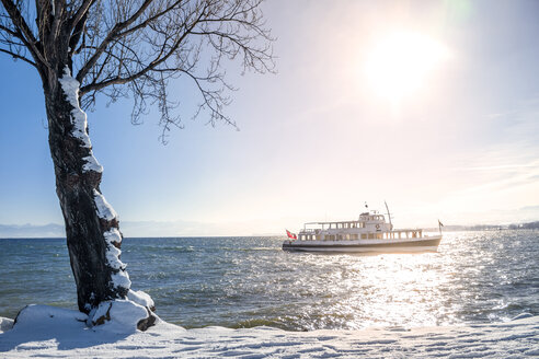 Switzerland, Thurgau, Lake Constance, ferry in winter - PUF01039