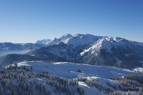 Austria, Upper Austria, Salzkammergut, Gosau, Ski area Dachstein-West, View to Tennen mountains - WWF04048