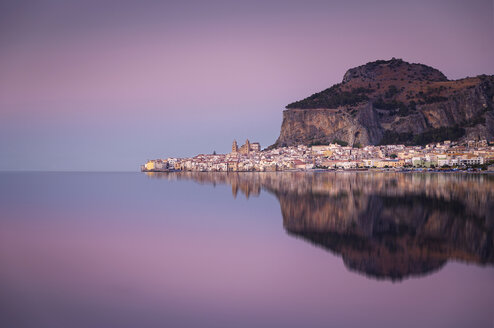 Italy, Sicily, Cefalu with reflections in the evening, afterglow - EPF00478