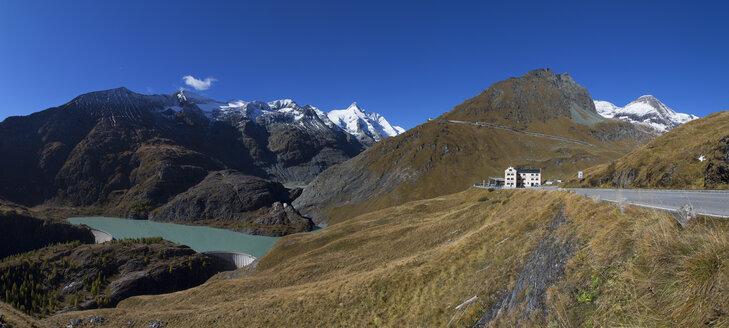Austria, Carinthia, Margaritze reservoire, Alpine club hut, Grossglockner, Hohe Tauern National Park - WW04102