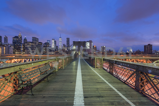 USA, New York City, Brooklyn Bridge at night - RPSF00144