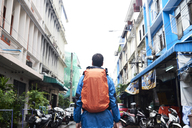 Thailand, Bangkok, backpacker on the street - IGGF00377