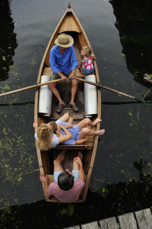 Family in rowing boat, top view - ECPF00154
