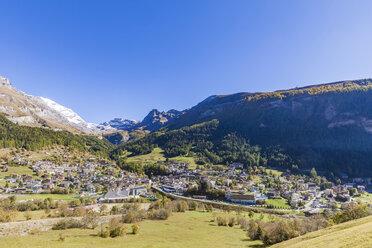 Switzerland, Valais, Leukerbad, townscape with mountain massif - WDF04318