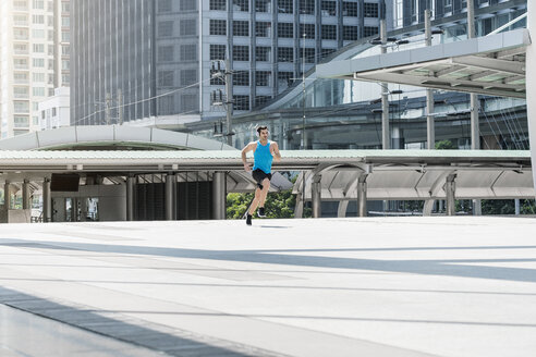 Fit man running in the city - SBOF01160