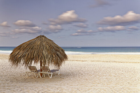 Carribean, Dominican Republic, Punta Cana, Playa Bavaro, beach at sunset - GFF01060