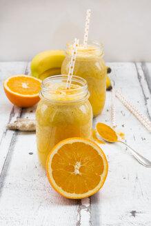 Orange banana smoothie with ginger and curcuma - LVF06614