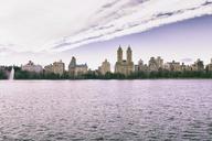 USA, New York, Manhattan, Central Park, Jaqueline Kennedy Onassis Reservoir and San Remo building - CMF00770