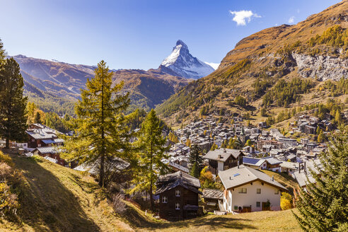 Switzerland, Valais, Zermatt, Matterhorn, townscape, chalets, holiday homes - WDF04352