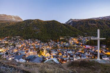 Switzerland, Valais, Zermatt, townscape in the evening, summit cross - WDF04355