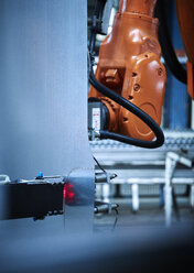 Industrial robot arm used in metalworking - CVF00078