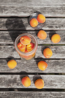 Preserving jar of apricots - GWF05401