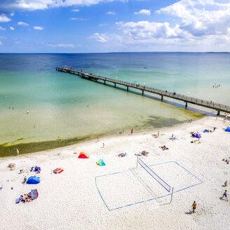 Germany, Schleswig-Holstein, Scharbeutz, coastal resort, beach - PUF01203