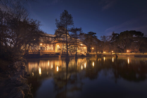 Spain, Madrid, Cristal Palace at night in El Retiro park - DHCF00179