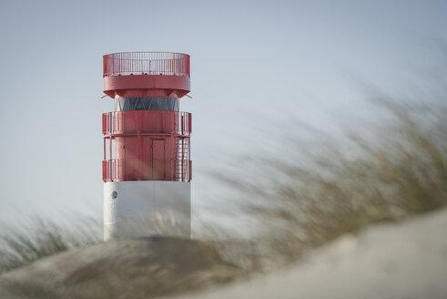 Germany, Helgoland, Lighthouse on Duene Island - KEBF00715