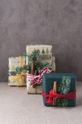 Christmas presents - MYF01995