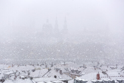 Germany, bavaria, wuerzburg, City view and snowfall - NDF00741